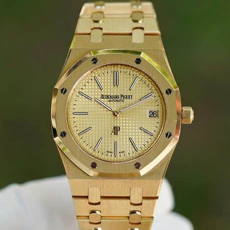 Audemars Piguet Royal Oak Extra-Thin 15202BA.OO.1240BA.02.A